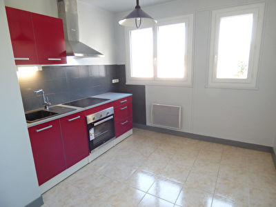 Appartement Aurillac 3 pièce(s) 62 m2 balcons ascensseur parking